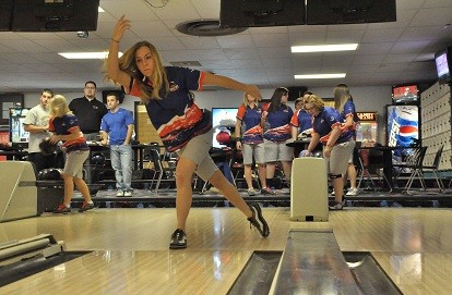 Midland University Womens Bowling Finish First Men 4th At
