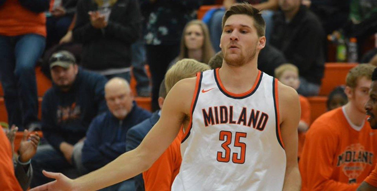 Photo for No. 21 Midland basketball off to best start in over a decade after weekend sweep