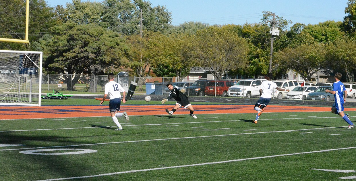 Photo for No. 22 Midland soccer blows out Dakota Wesleyan, 10-0