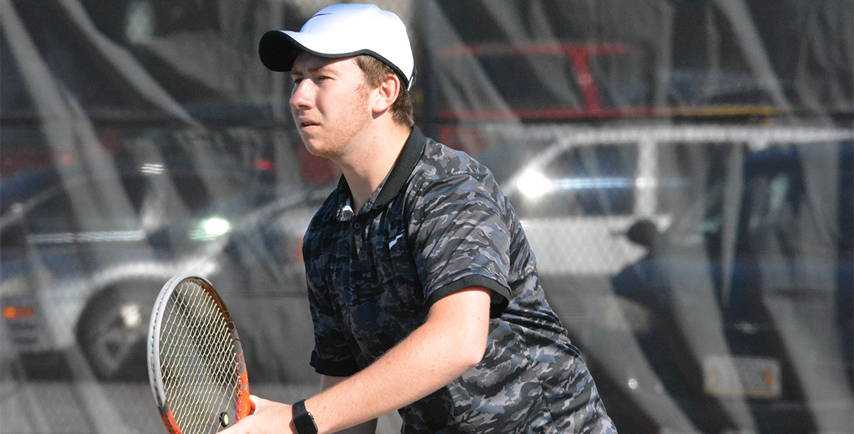 Photo for Midland tennis scores two weekend wins