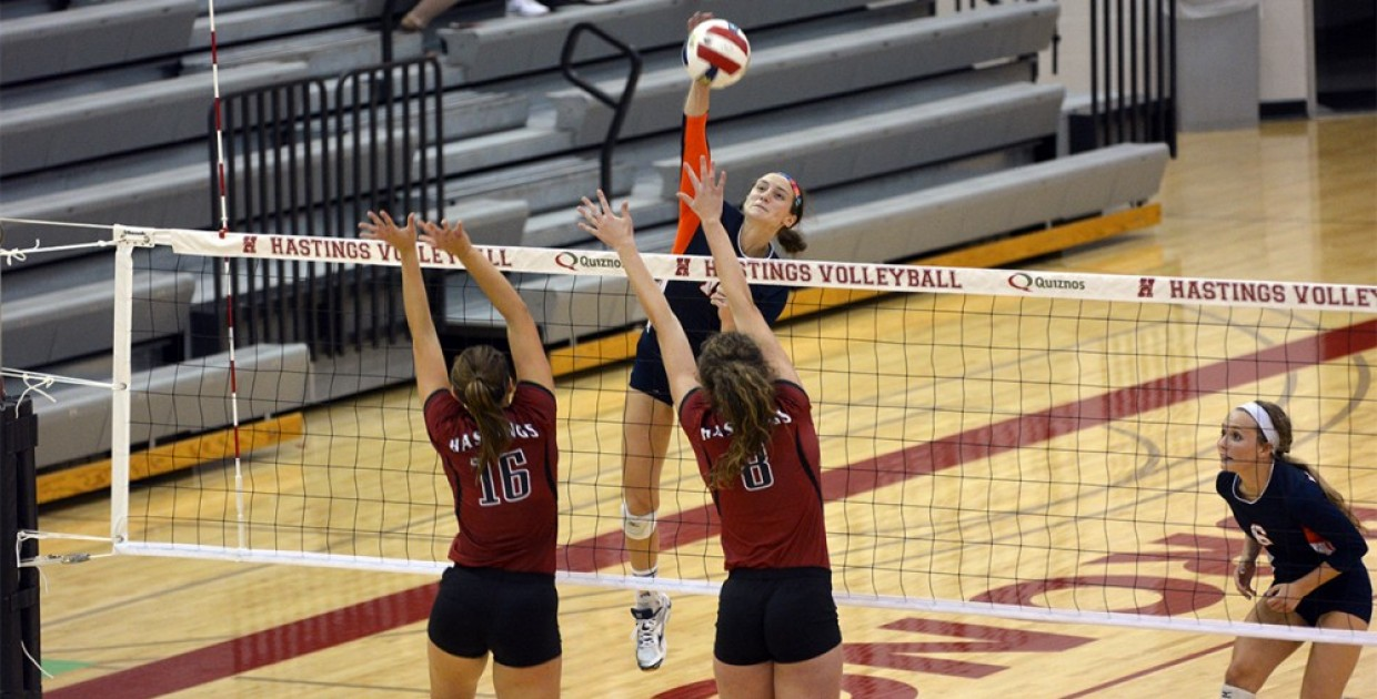 Photo for No. 1 Midland volleyball rebounds from slow start, improves to 15-0